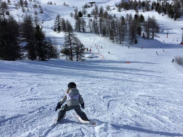 Enfant Ski Aiguilles Alpes Pchretien