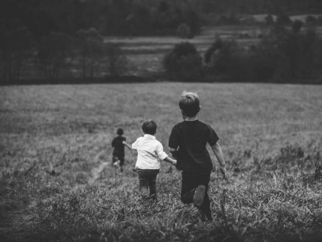 Enfants Lacollestmichel Alpes Bipixabay