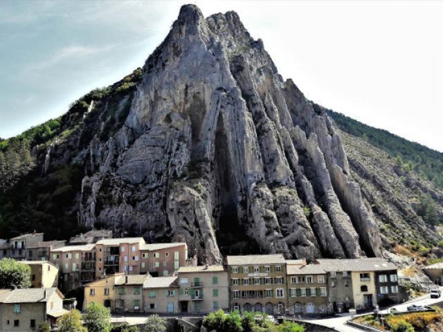 Sisteron Routenapoleon Cheval Alpes Adallaporta