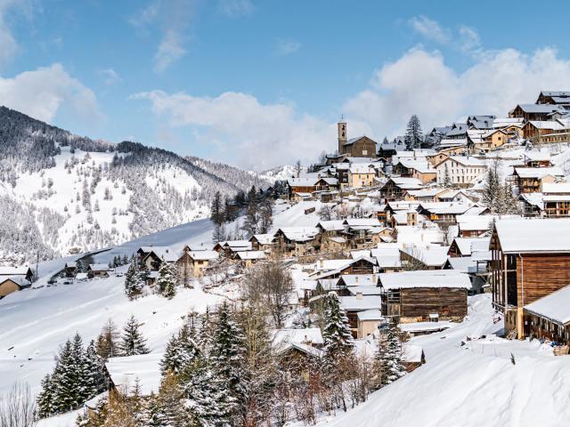 Vue Village de Saint-Veran dans les Alpes