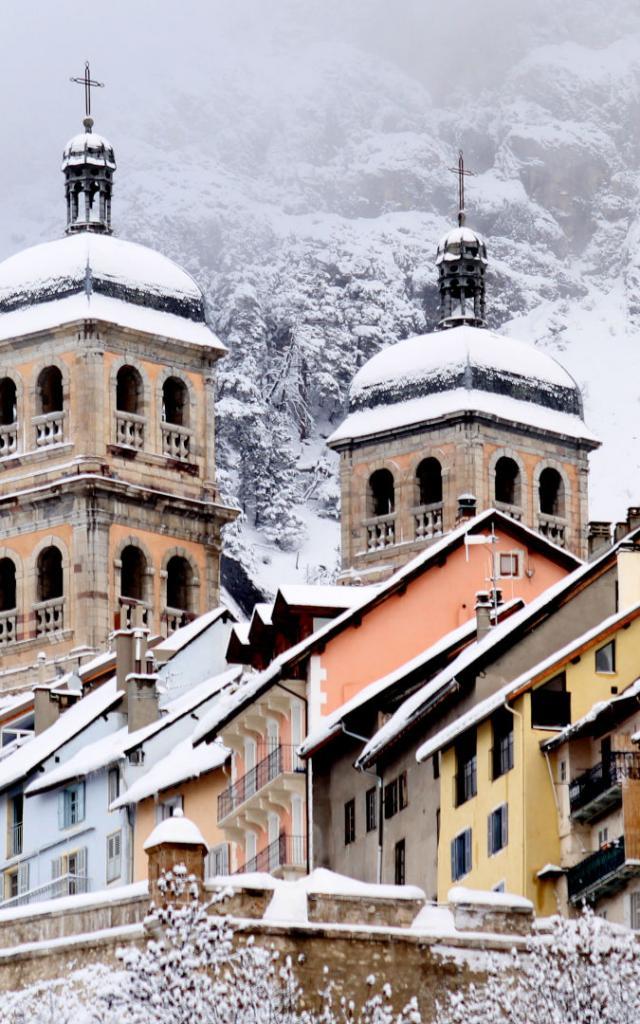 Briancon sous la neige dan les Alpes
