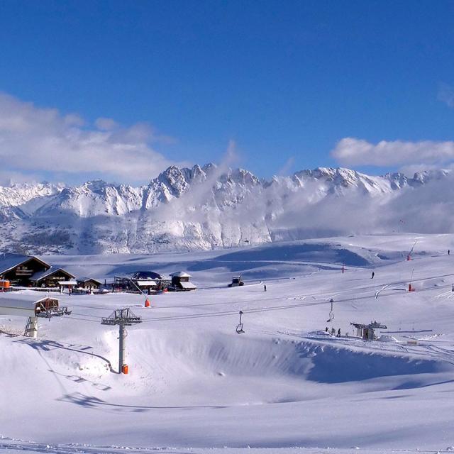 Domaine Skiable la Joue du Loup Super Dévoluy en hiver dans les Alpes du Sud
