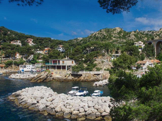 Port Cote Bleue Provence Amouton