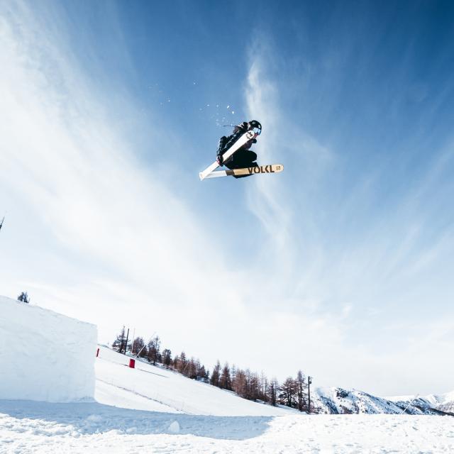 Snowpark dans la station de Valberg dans les Alpes du Sud