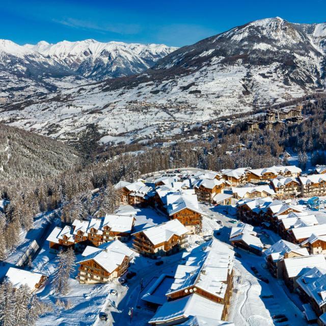 Station Les Orres en hiver vue du ciel