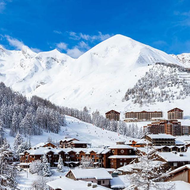 Station du Val D'Allos en hiver dans les Alpes du Sud