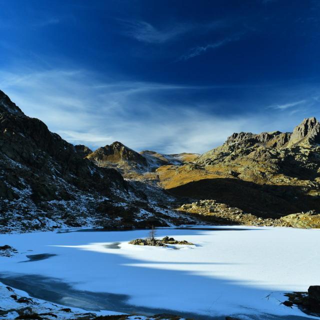 Vallée des Merveilles en hiver dans les Alpes