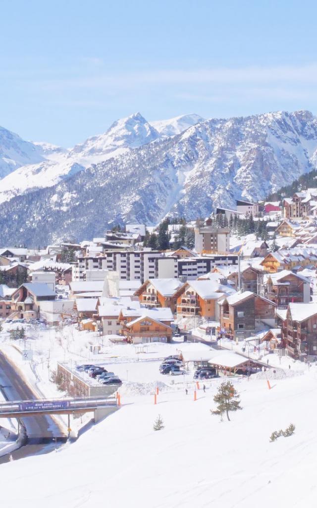 Village de Montgenevre en hiver dans les Alpes