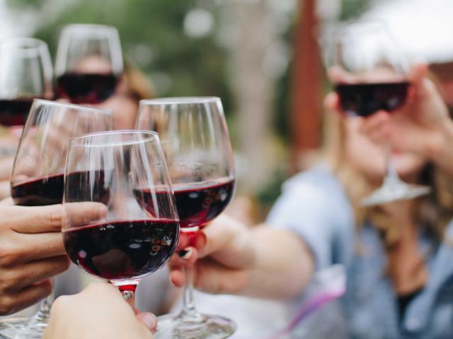 Bar A Vin Avignon Provence Kknight