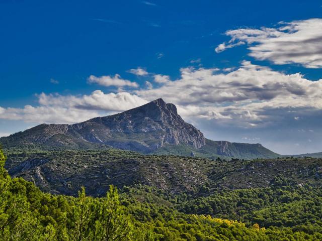 montagne-sainte-victoire-provence-lecreusois.jpg