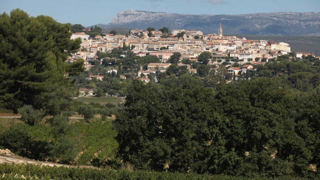 Village Lecastellet Massifsaintebaume Pcarrese