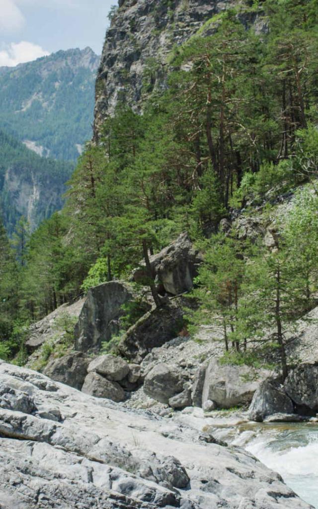 Le Guil, rivière torrentielle du Sud-Est de la France dans les Hautes-Alpes