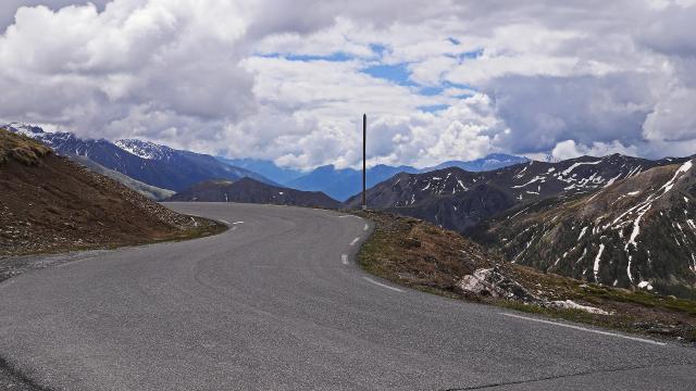 highest-pass-road-europe-1533066-1920.jpg