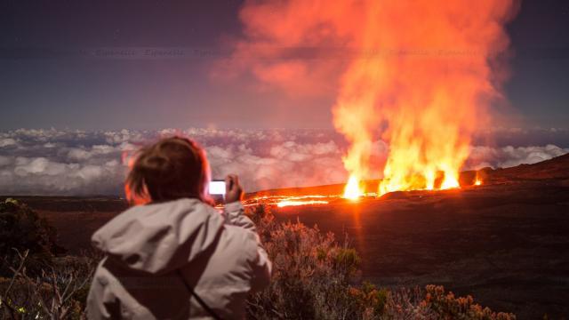 éruption volcanique la réunion