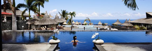 77_black_pool_zen_-_droits_reserves_-_hotel_palm.jpg
