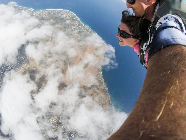 parachute_idedelareunion_-_terre_et_lagon.jpg