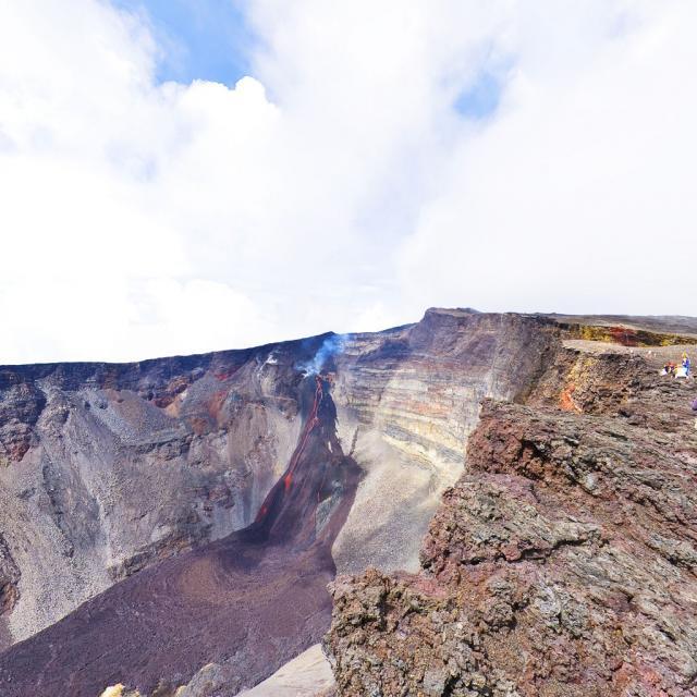 pasdebellecombe-dolomieu-p12-dolomieu-eruption_f.jpg