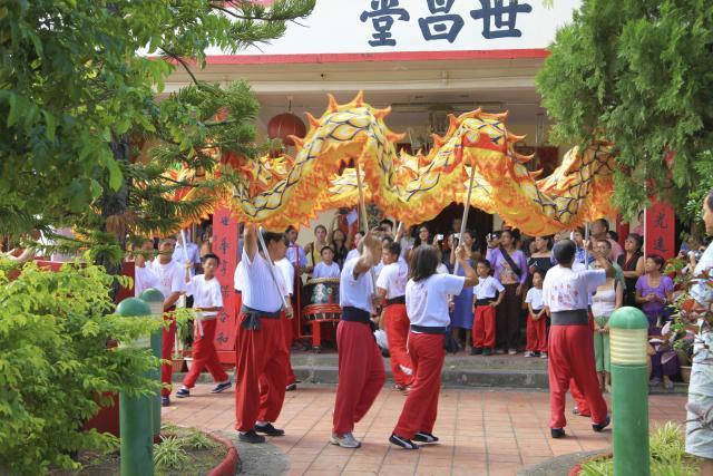 religion_chinoise05_fete_-_credit_irt_-_emmanuel_virin_1.jpg