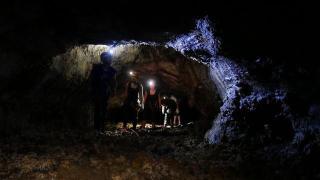 Ricaric Tunnel De Lave 3 Cote Ouest.jpg