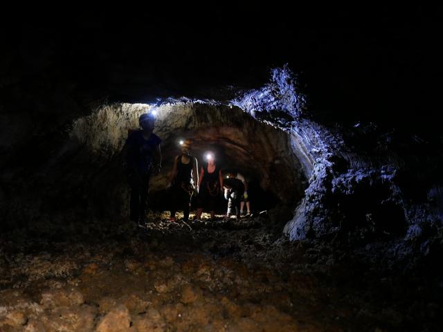 ricaric_-_tunnel_de_lave_3_cote_ouest.jpg