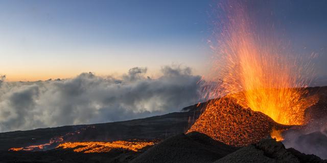 volcan200_eruption_piton_de_la_fournaise_05_2015_-_credit_irt_-_luc_perrot_dts_06_2021.jpg
