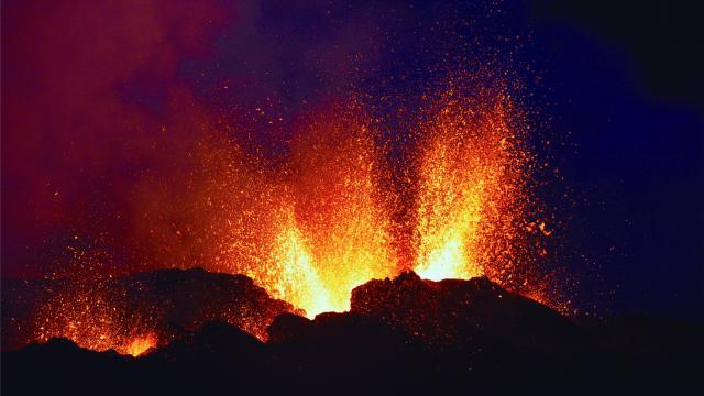 volcan228_eruption_piton_de_la_fournaise_-_credit_irt_-_serge_gelabert_dts_12_2018.jpg