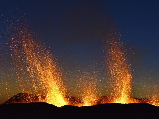 volcan248_-_eruption_piton_de_la_fournaise_septembre_2016_-_credit_irt_-_serge_gelabert_dts_12_2017.jpg