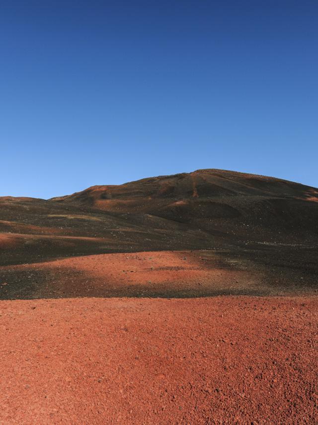 Volcan Plaine Des Sables33 Credit Irt Serge Gelabert Dts 12 2014.jpg