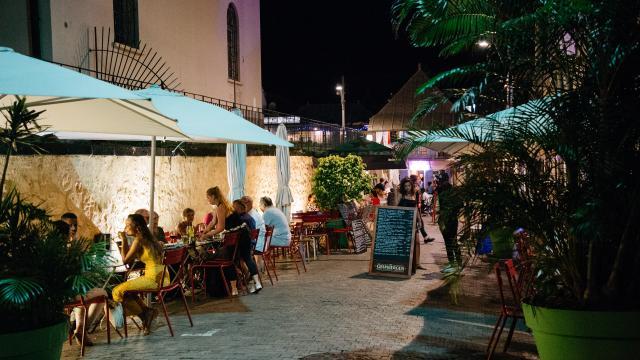 terrasse-bar-nuit.jpg