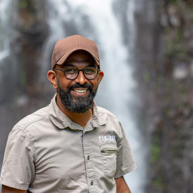 excursion-en-4x4-entre-volcan-et-cascades-damien-irtla-petite-creole-dt-avril-2030.jpg