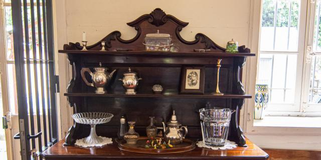 bienvenue-domaine-beaubassin--buffet-objets--dt-irtla-petite-creole.jpg