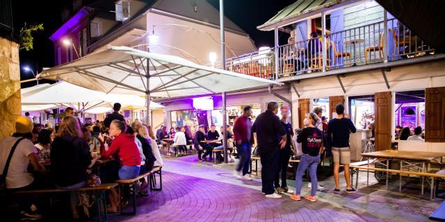 Top 10 Des Bars A Saint Denis Le Café Edouard Irt@travels Gallery