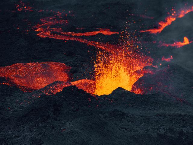 eruption313-09-04-2021-credit-irt-lionel-ghighi-dts-04-2023.jpg