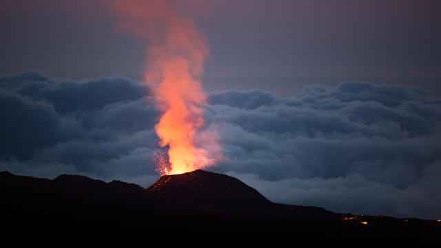 Le Volcan Credits Oeil D'eos