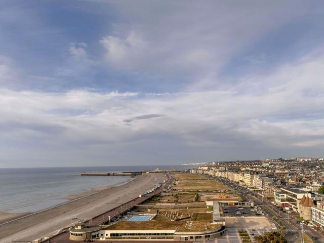Point de vue sur la ville et la plage, depuis le panorama du Château de Dieppe