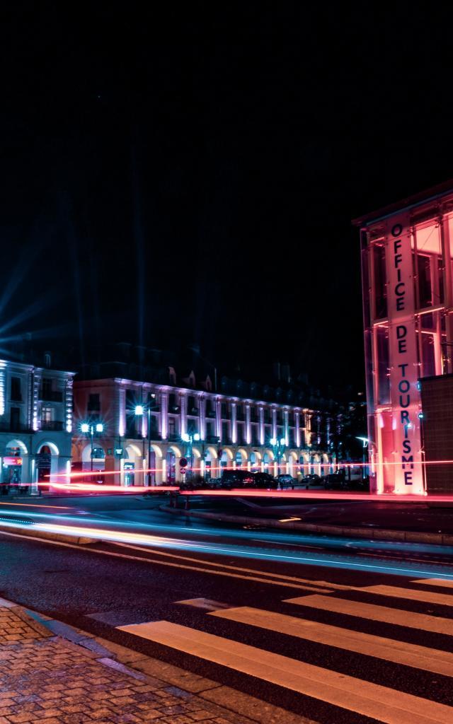 Office de Tourisme de nuit en période de Noël