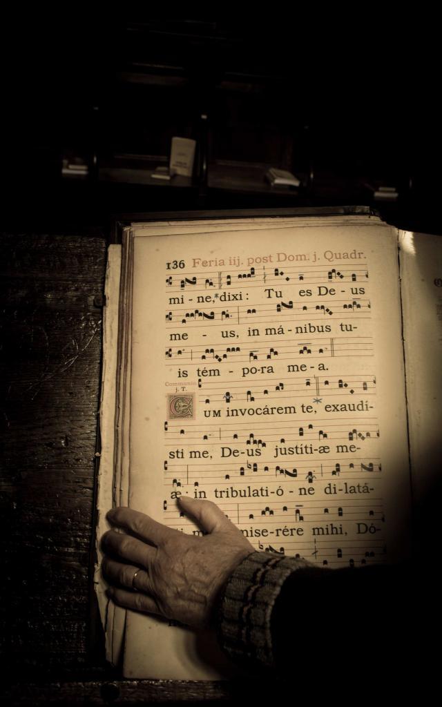 Livre de chants liturgiques à l'Abbaye