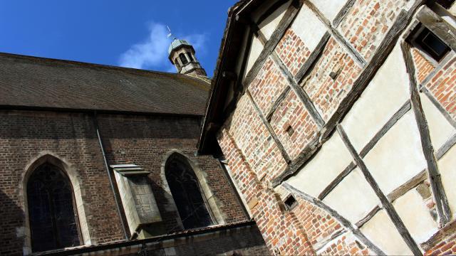 Maisons à colombages et église