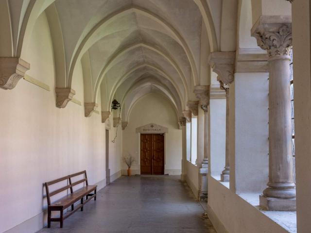 Couloir du Cloître de l'Abbaye Notre Dame des Dombes