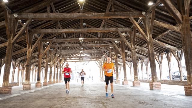 Semi Marathon Bresse Dombes sous les Halles de Chatillon sur chalaronne