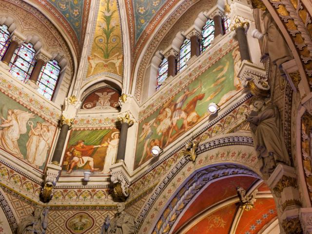 Intérieur De La Basilique Saint Sixte à Ars