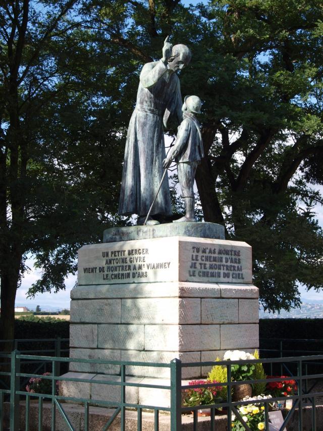 Monument de la Rencontre à Ars