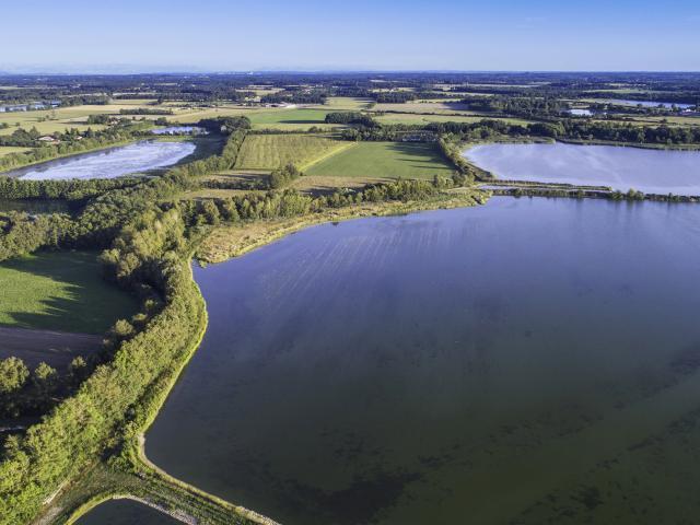 Les étangs de la Dombes vue du ciel