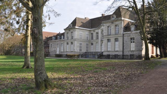 Château De Bernicourt Photo Mairie De Roost Warendin Service Communication