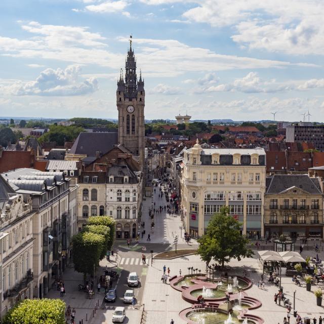 Place Armes Principale Vue Ville Beffroi Douai Douaisis Nord France (c) Ad Langlet