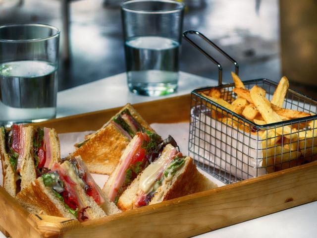 Club Sandwich Pommes de terre frites