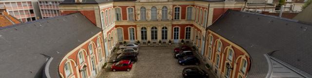 Hotel D'aoust Tribunal Administratif Douai Douaisis Nord France (1)