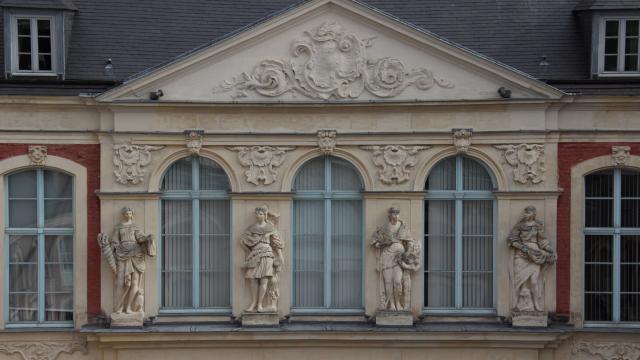 Hotel D'aoust Tribunal Administratif Douai Douaisis Nord France (4)