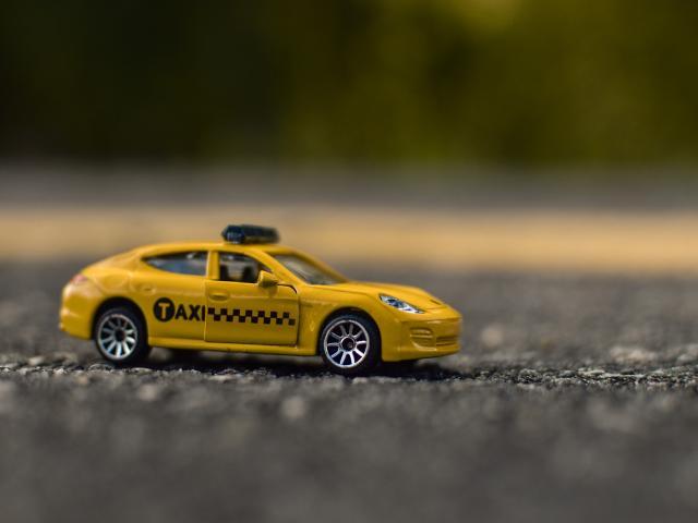 Taxi (c) Pixabay Baklan Jones
