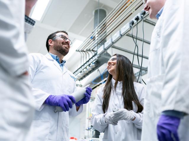 Pôles de recherche & Laboratoires